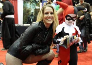 Mini Harley Quinn & V