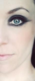 Canary Make-Up