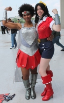 Nubia & Bombshell Wonder Woman - Dragon Con 2013